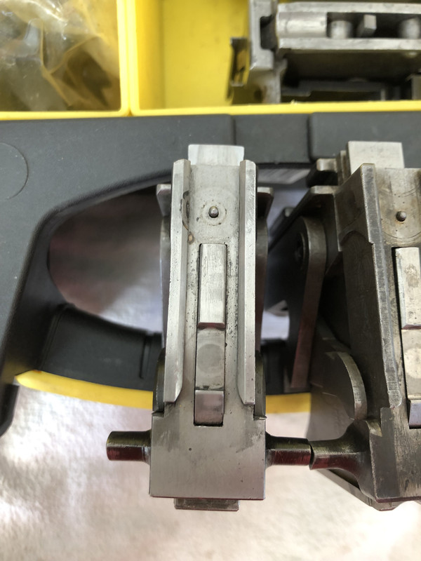 US-Lock-8mm-Extractor-Brit-Lift-Arms.jpg