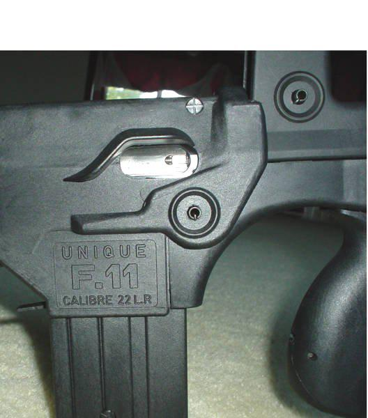 FAMAS_22LR.UniqueG11markings.jpg