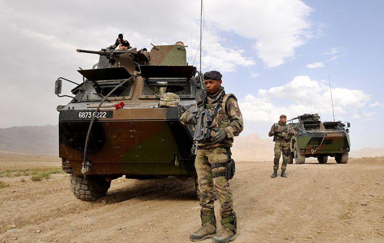 FAMAS_Afghan6.jpg