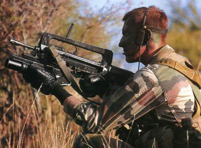 FAMAS_in_action_125.jpg
