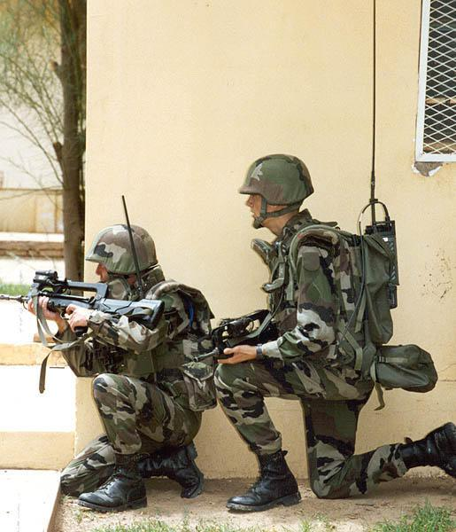 FAMAS_in_action_126.jpg