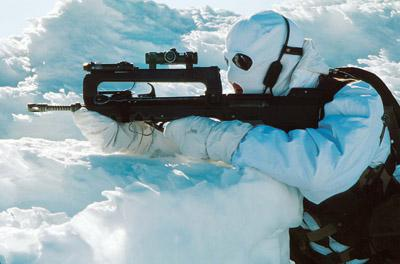 FAMAS_in_action_174.jpg