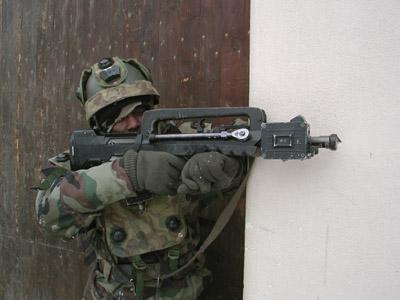 FAMAS_in_action_187.jpg
