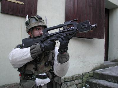 FAMAS_in_action_192.jpg