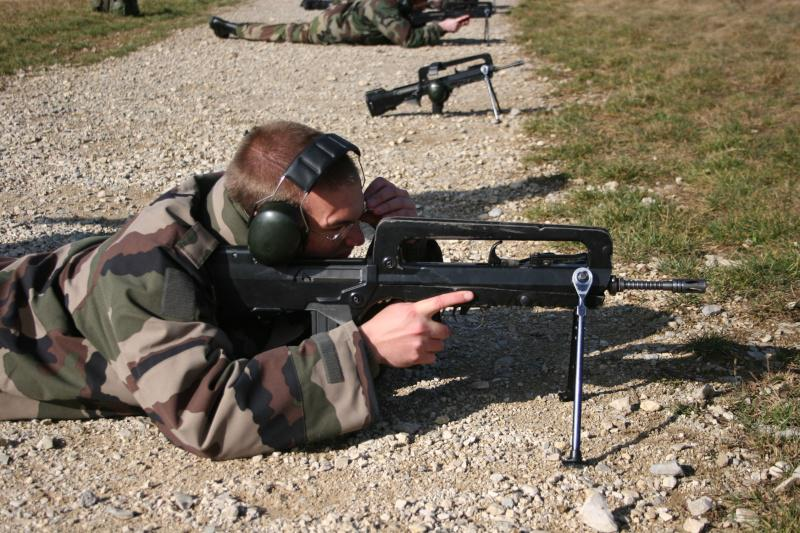 FAMAS_in_action_290.jpg