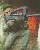 FAMAS_in_action_30.jpg