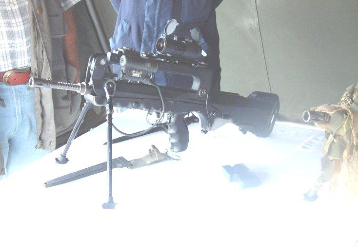 FAMAS_in_action_38.jpg