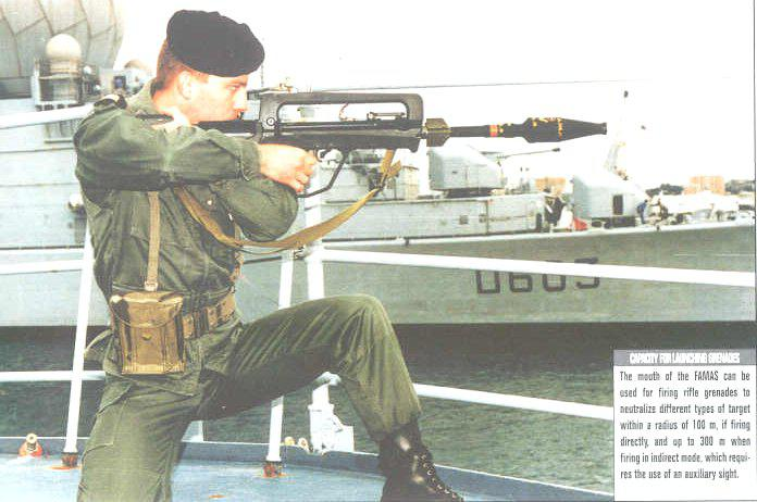 FAMAS_in_action_49.jpg