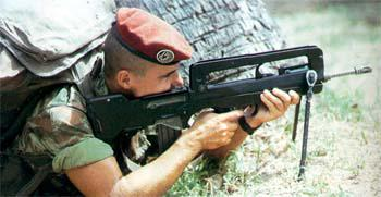 FAMAS_in_action_69.jpg