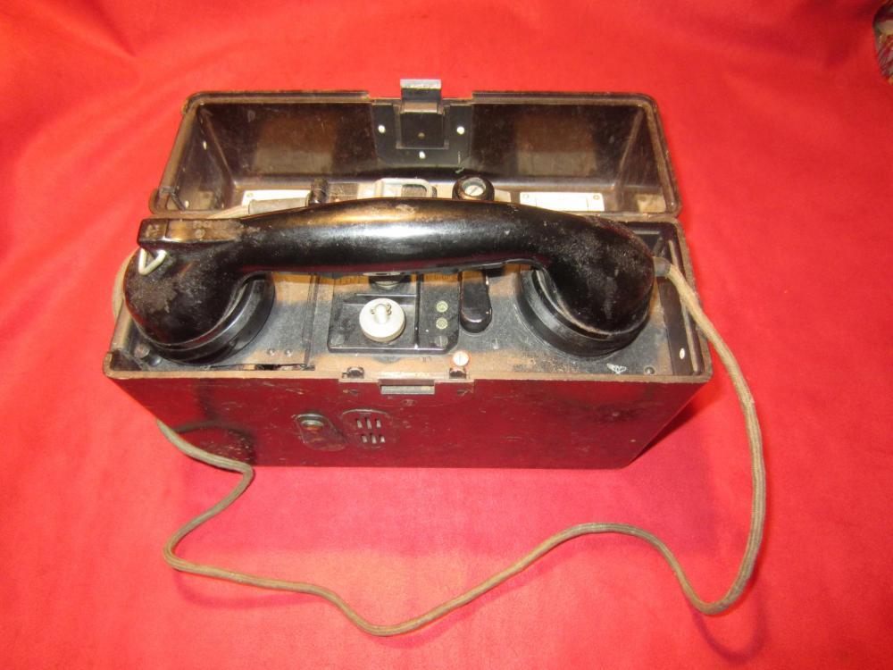 Nazi Field Phone 001.jpg