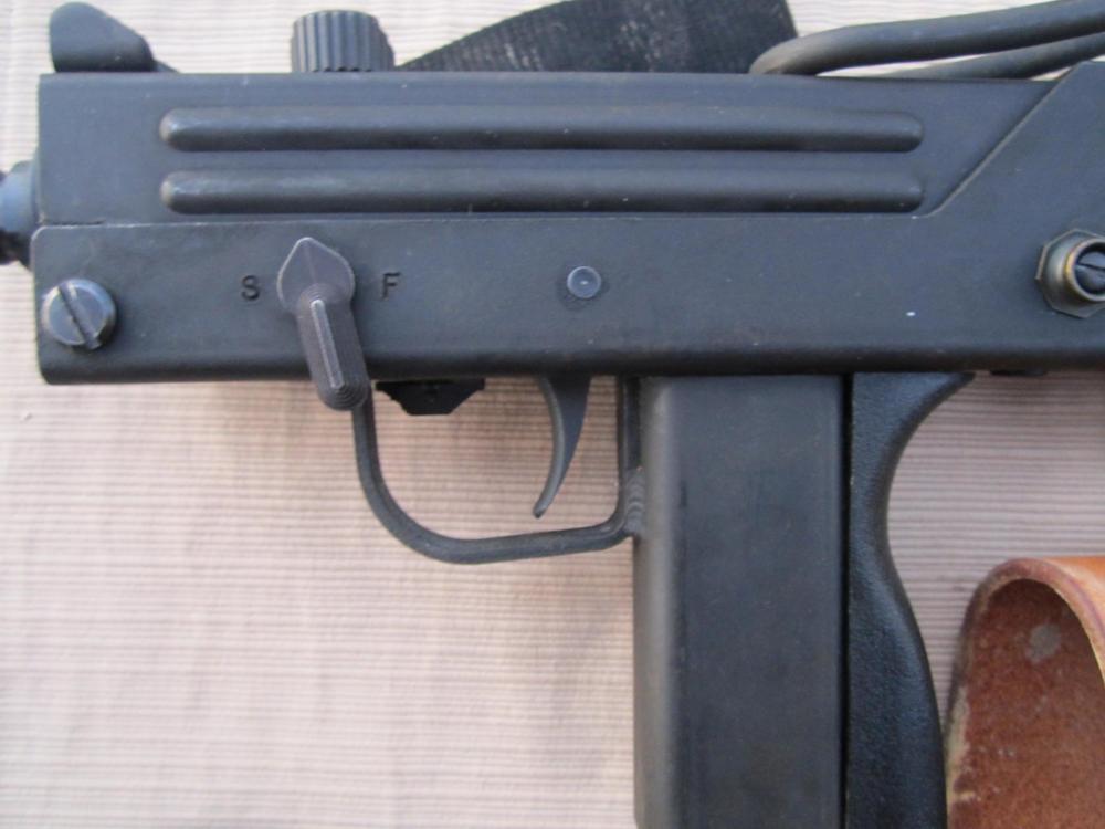 M11 012.JPG