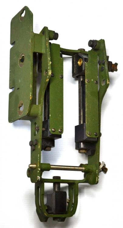 machine gun mount 14.JPG