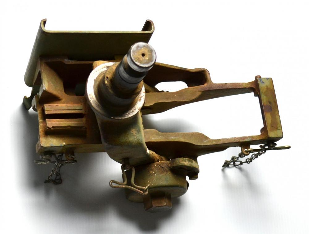 machine gun mount 2.JPG