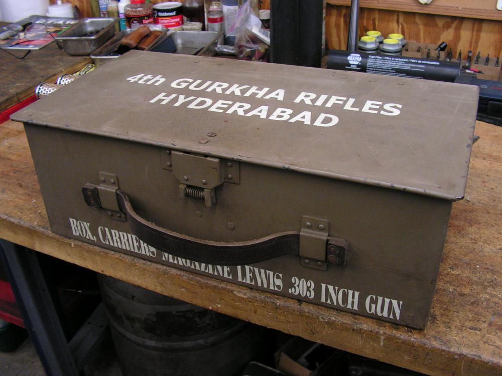 Lewis gun 001.JPG