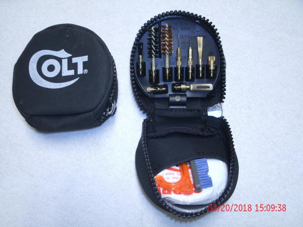 Colt 1911 Marine Corp Otis Clening Kit.JPG