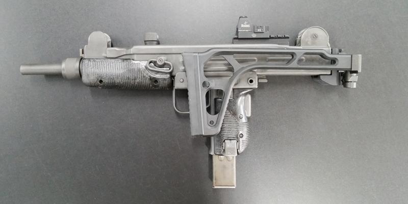 SA-UZI-02C.jpg