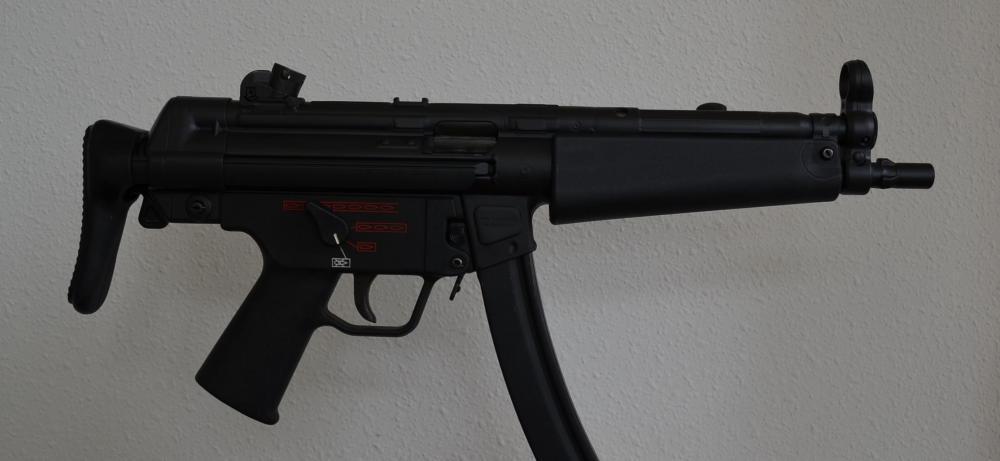 MP5 Three con 03.jpg