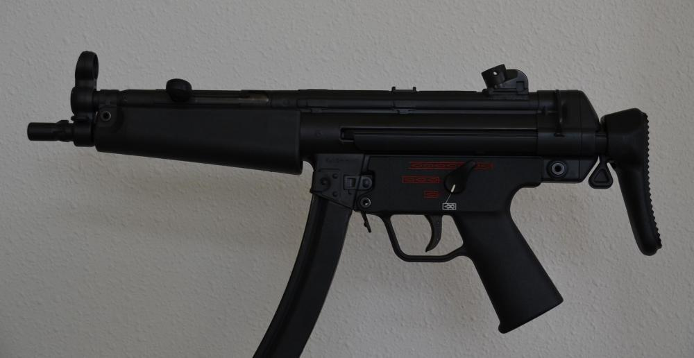 MP5 Three con 05.jpg