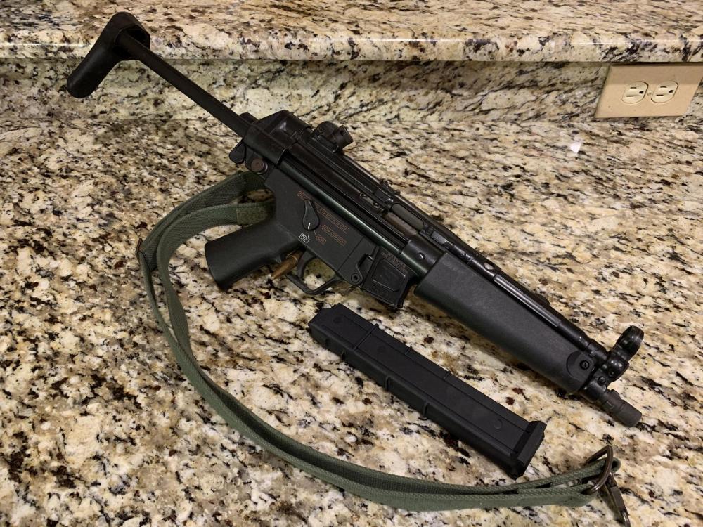 HK MP5:40.jpg