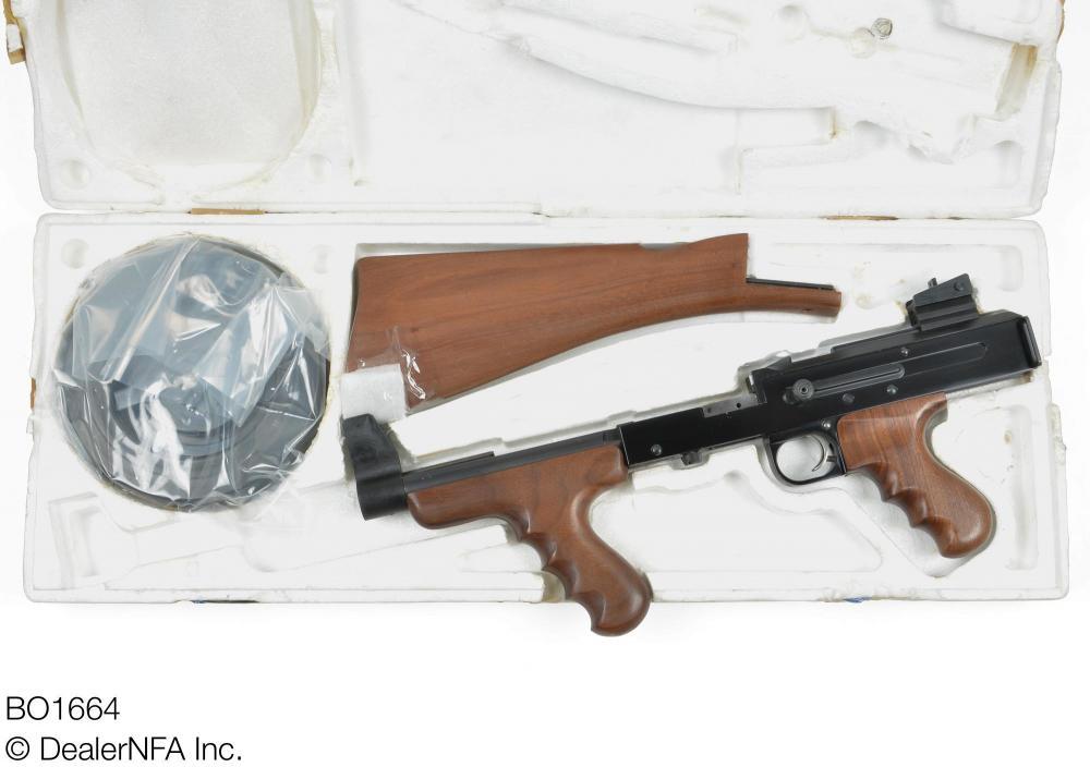 BO1664_American_Arms_American_180 - 001@2x.jpg