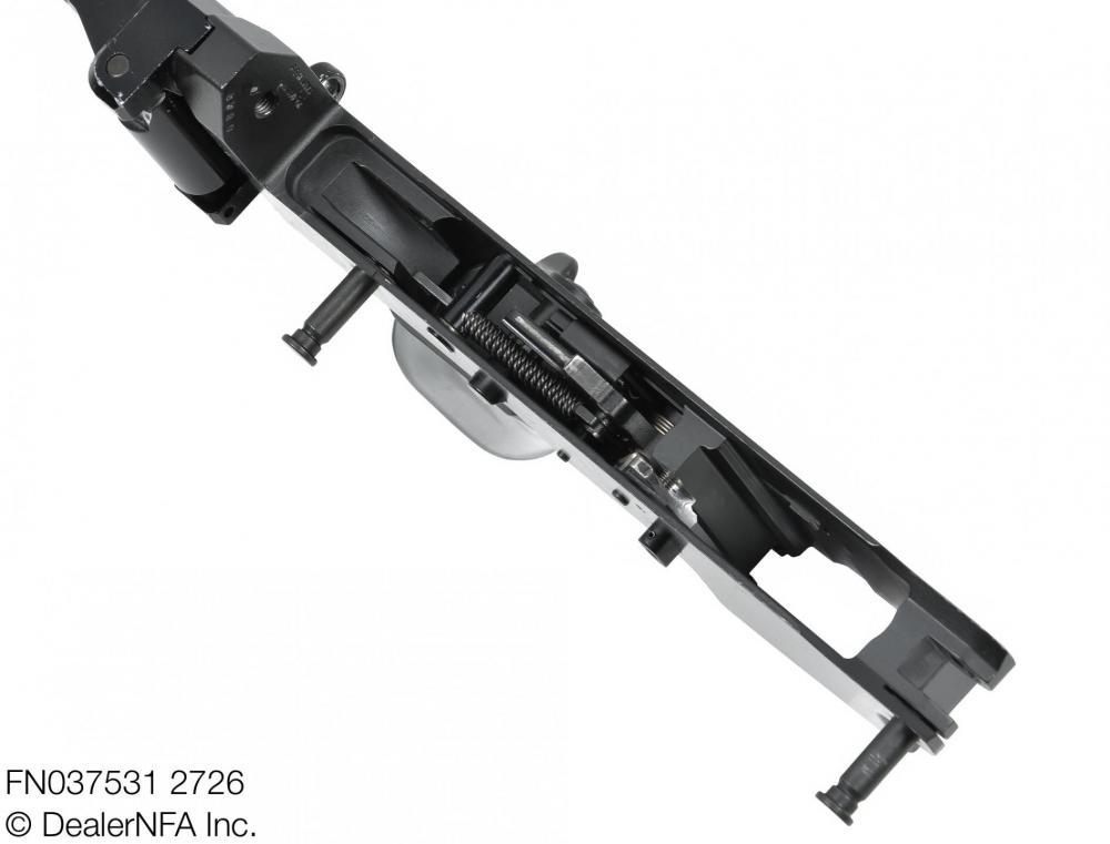 FN037531_2726_FNC_SH_Arms - 005@2x.jpg