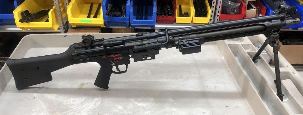 HK23ERRb.JPG