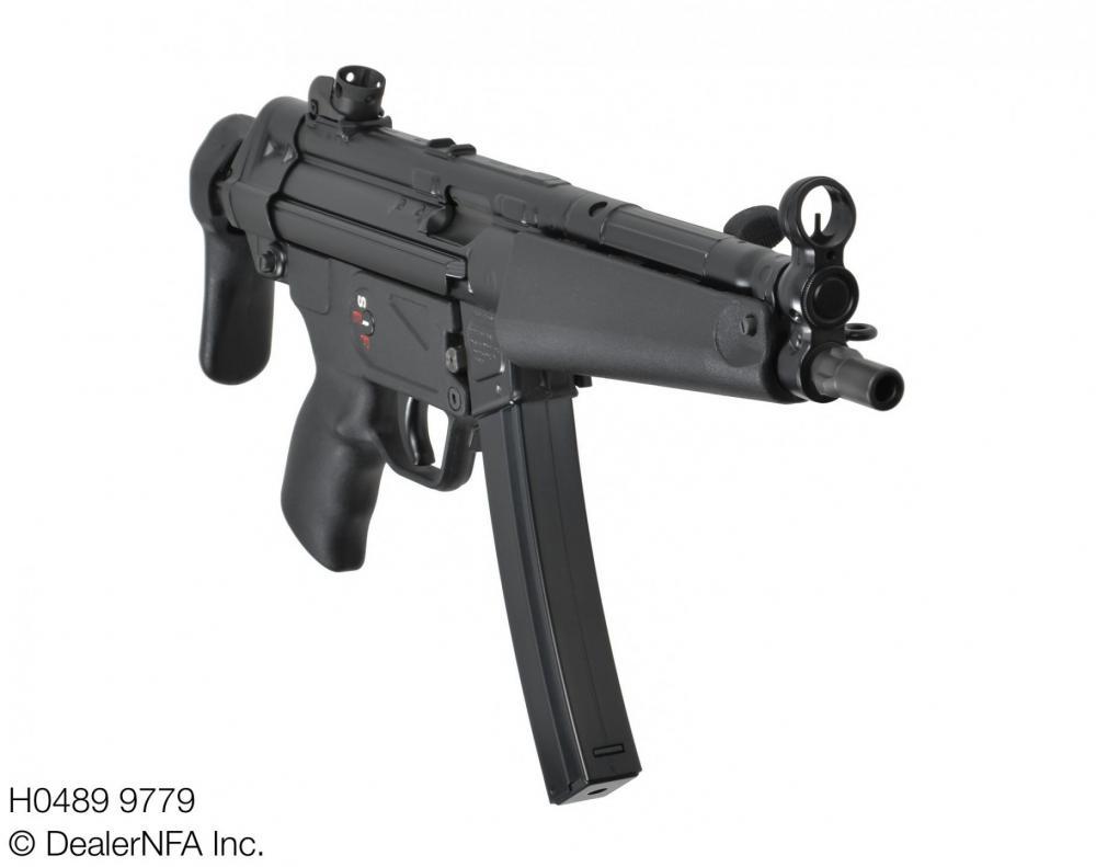 H0489_9779_Fleming_Firearms_HK_MP5 - 003@2x.jpg