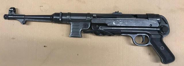 Hender. MP40-1.jpg