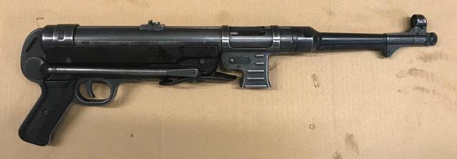 Hender. MP40-0.jpg