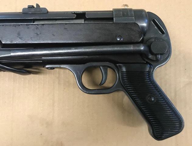 Hender. MP40-8.jpg