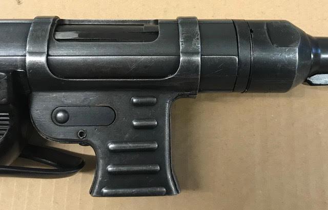 Hender. MP40-9.jpg