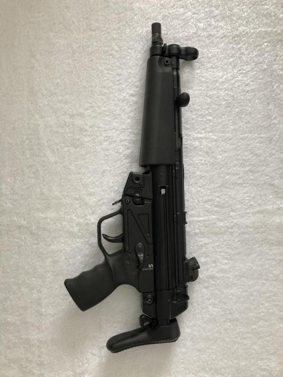 MP5 Left Side 2.jpg
