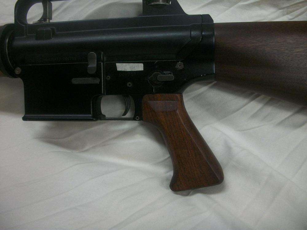 AR-10-3.JPG