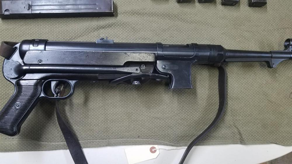 MP40 2.jpg