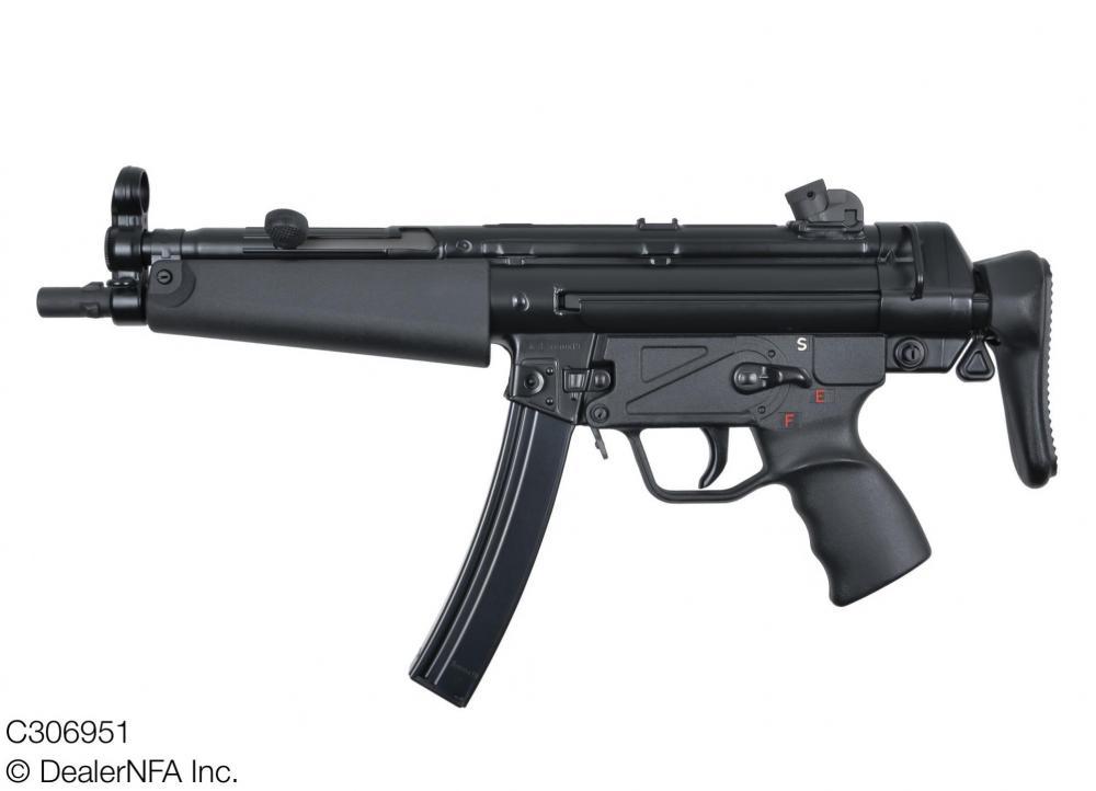 C306951_Heckler_Koch_MP5A3 - 02@2x.jpg