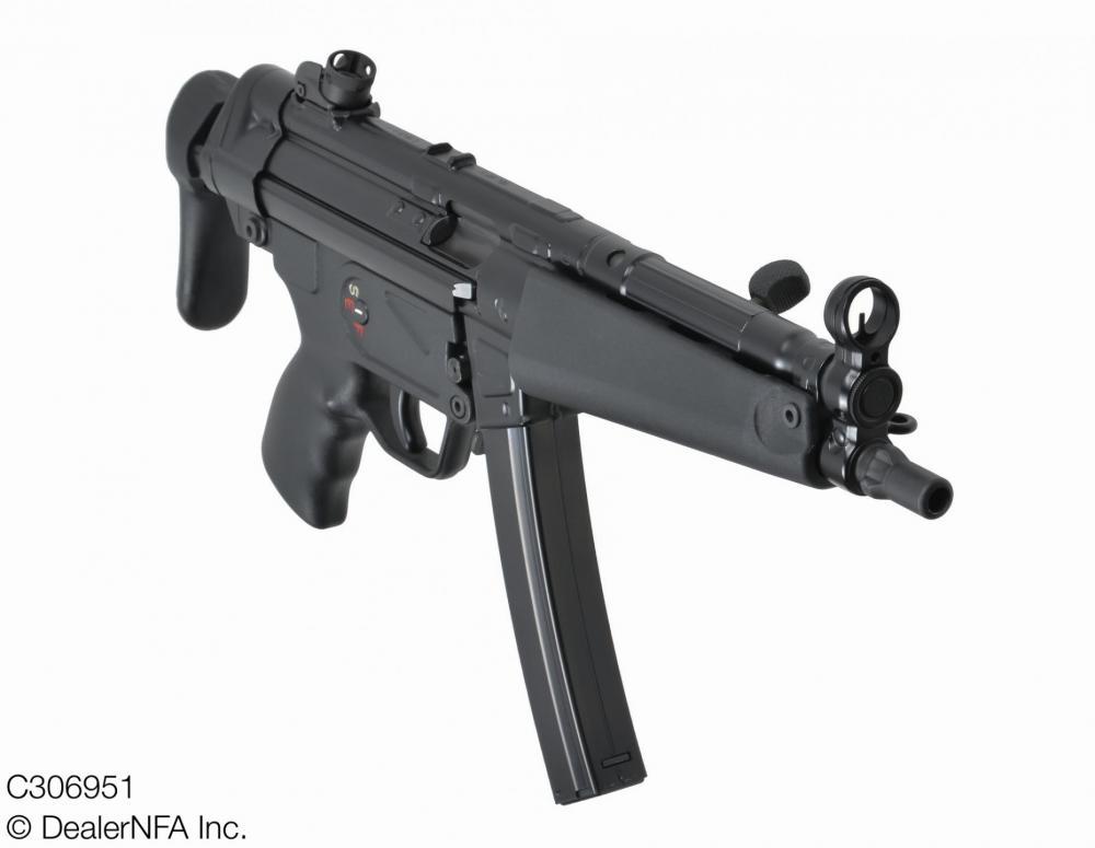 C306951_Heckler_Koch_MP5A3 - 03@2x.jpg