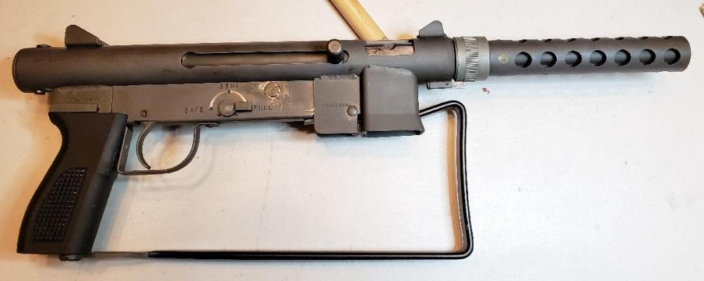Gun LHS.jpg