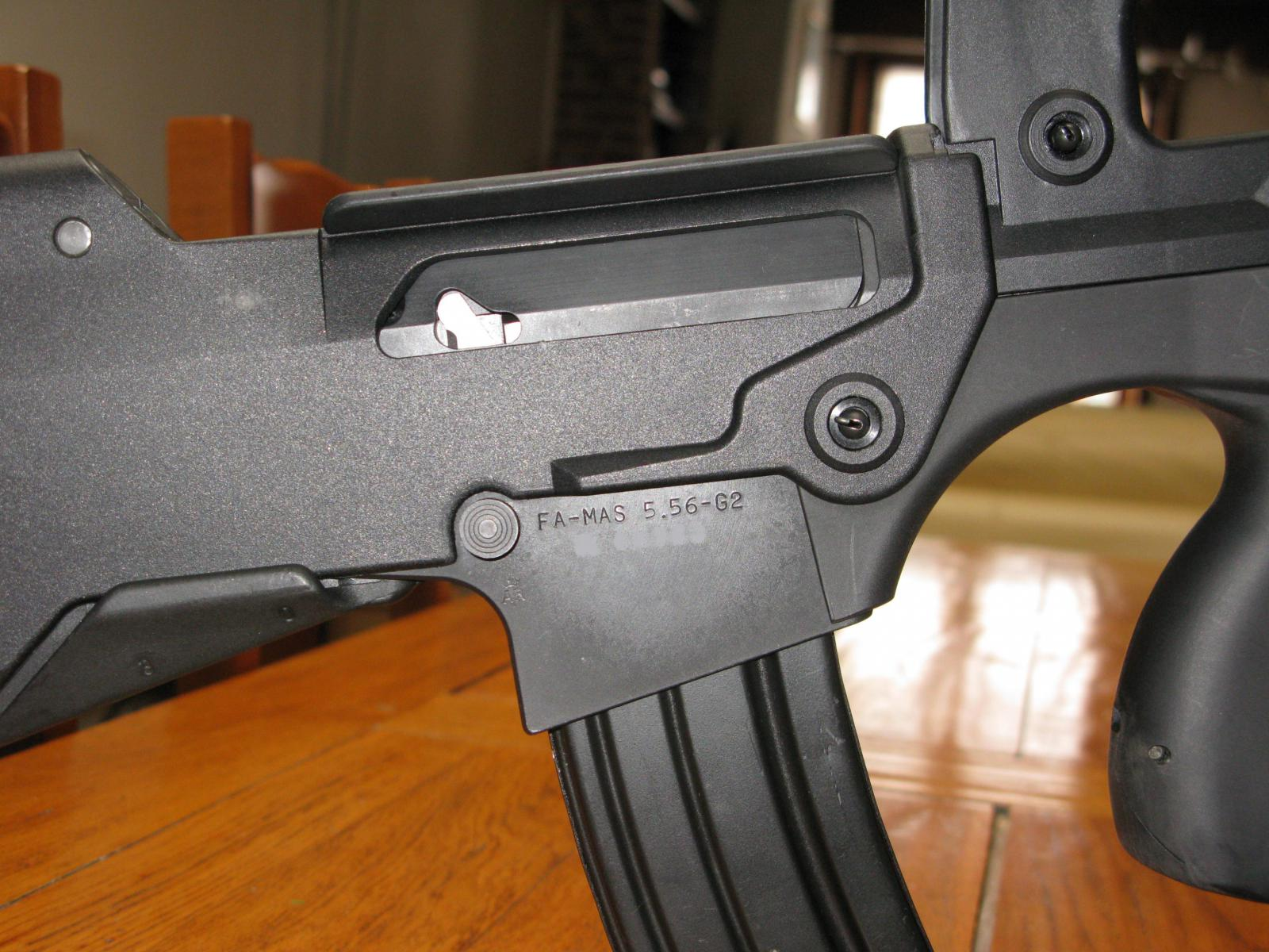 FAMAS_G2EjectionPort.jpg