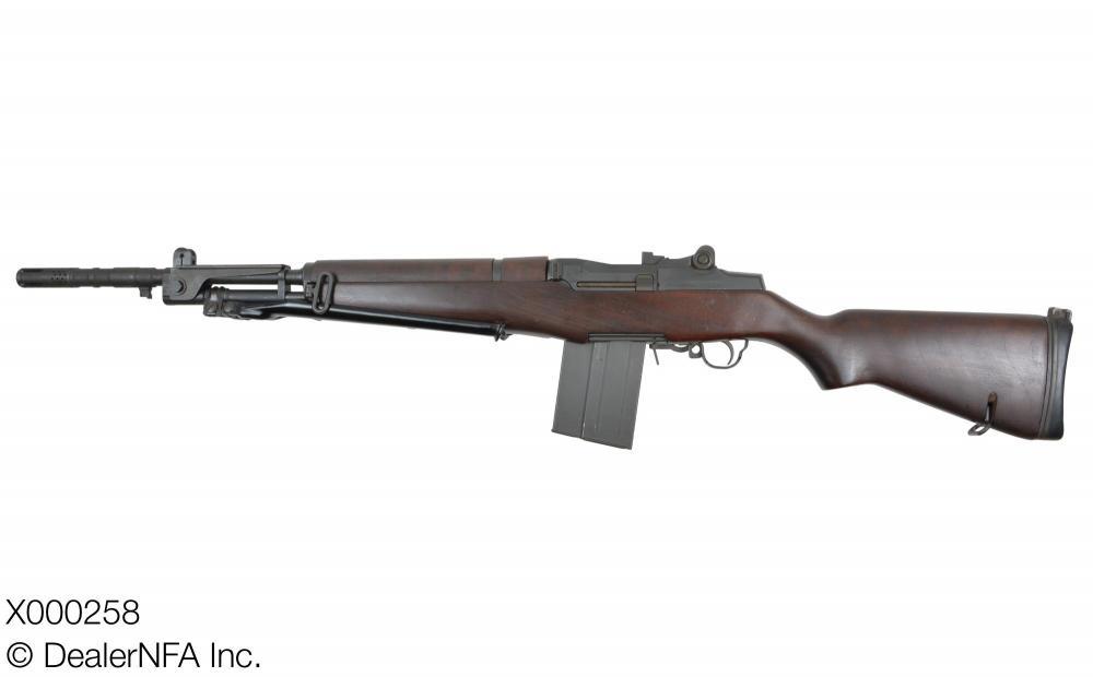X000258_Sprinfield_Armory_Beretta - 03@2x.jpg