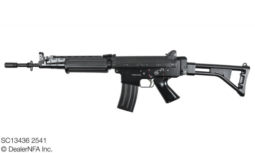SC13436_2541_FNC_SH_Arms - 002@2x.jpg