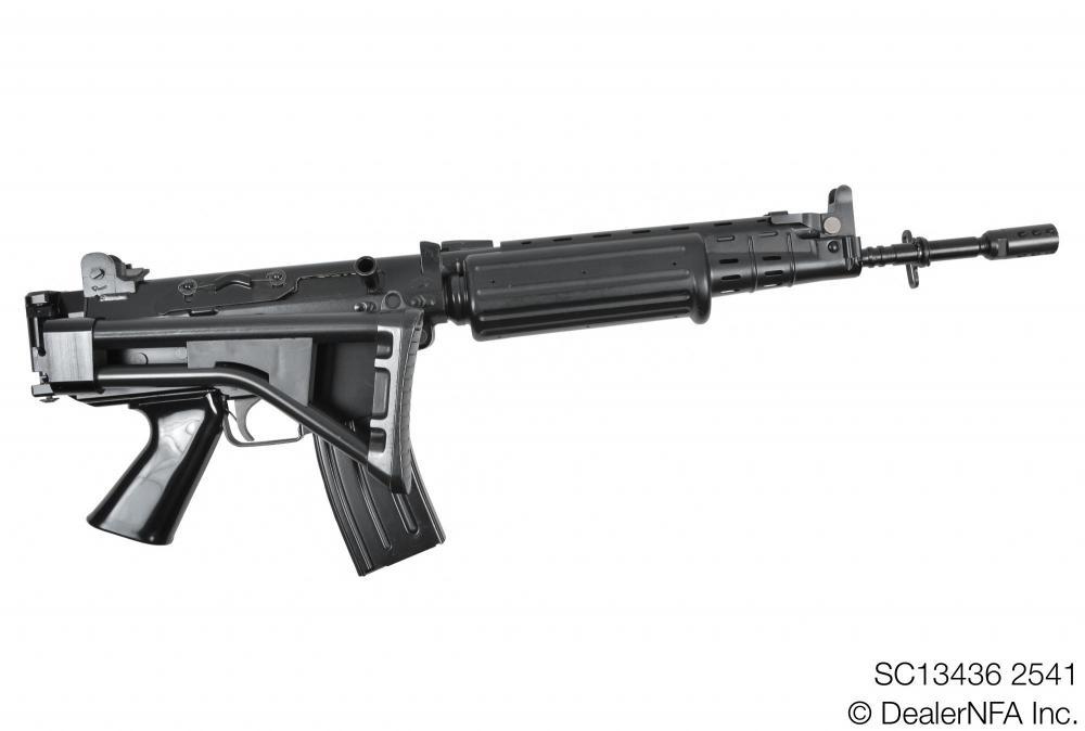 SC13436_2541_FNC_SH_Arms - 004@2x.jpg