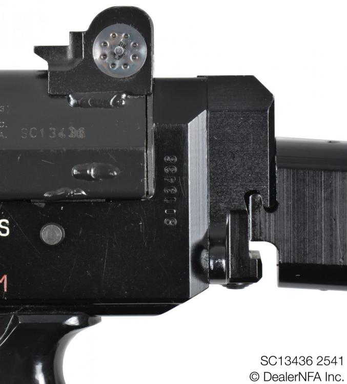 SC13436_2541_FNC_SH_Arms - 006@2x.jpg